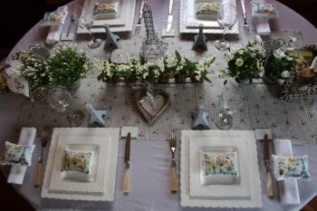 Une table fleurie pour le 1er mai for Art de la table de luxe