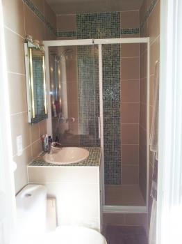petite salle de bains astuces pour l 39 am nager. Black Bedroom Furniture Sets. Home Design Ideas