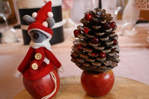 fabriquer des petits sapins avec des pommes de pin